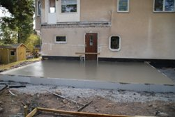 Huset 110427 betong lagd